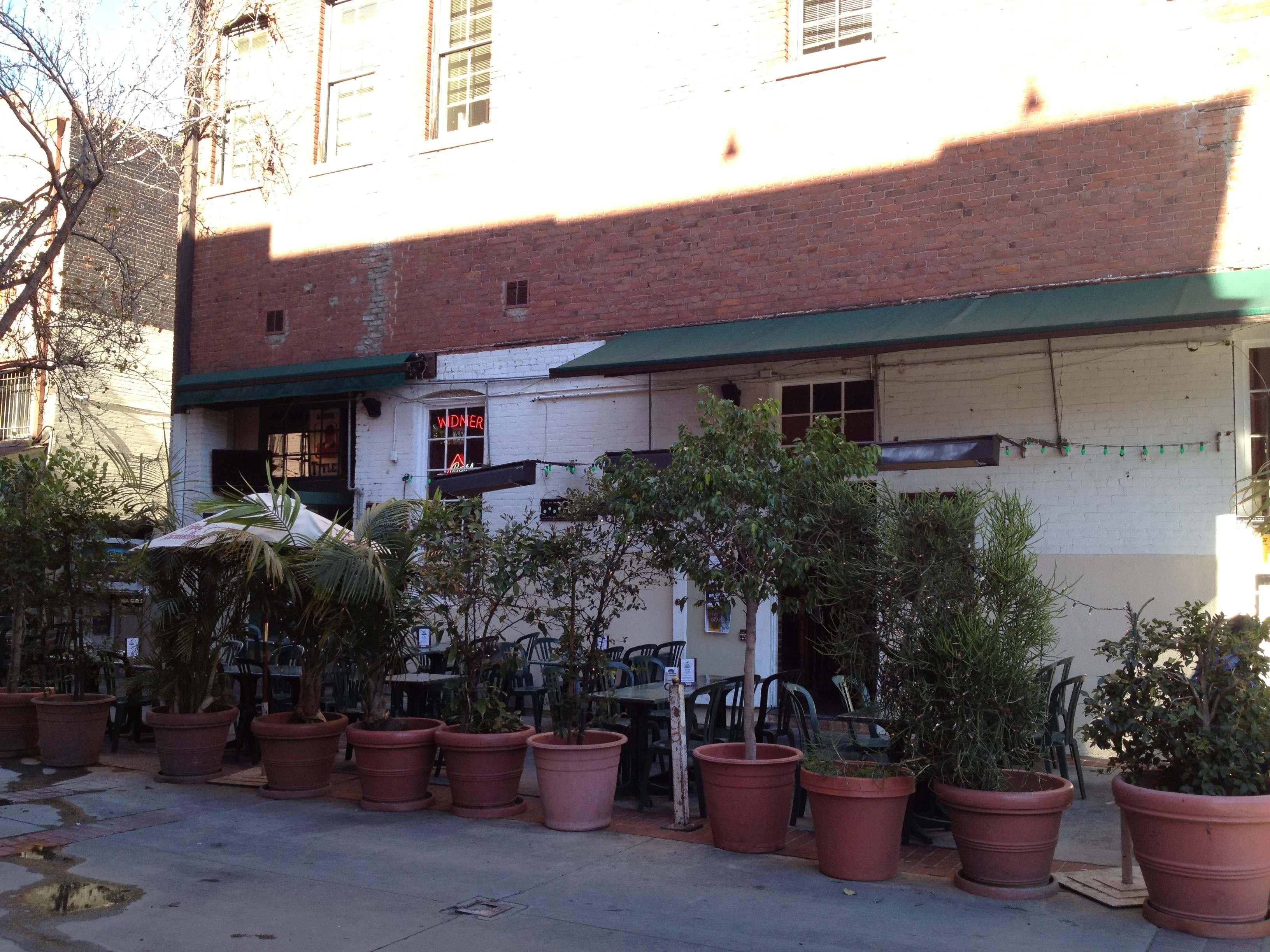 Lucky Baldwin's, Pasadena CA