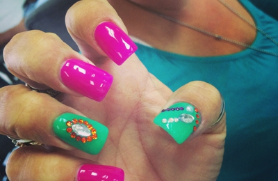 Vivian's Nails - Kernersville, NC