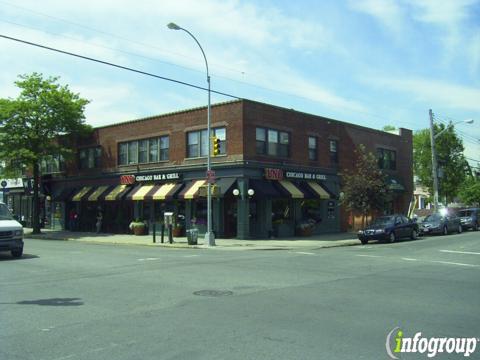 Uno Chicago Grill, Bayside NY