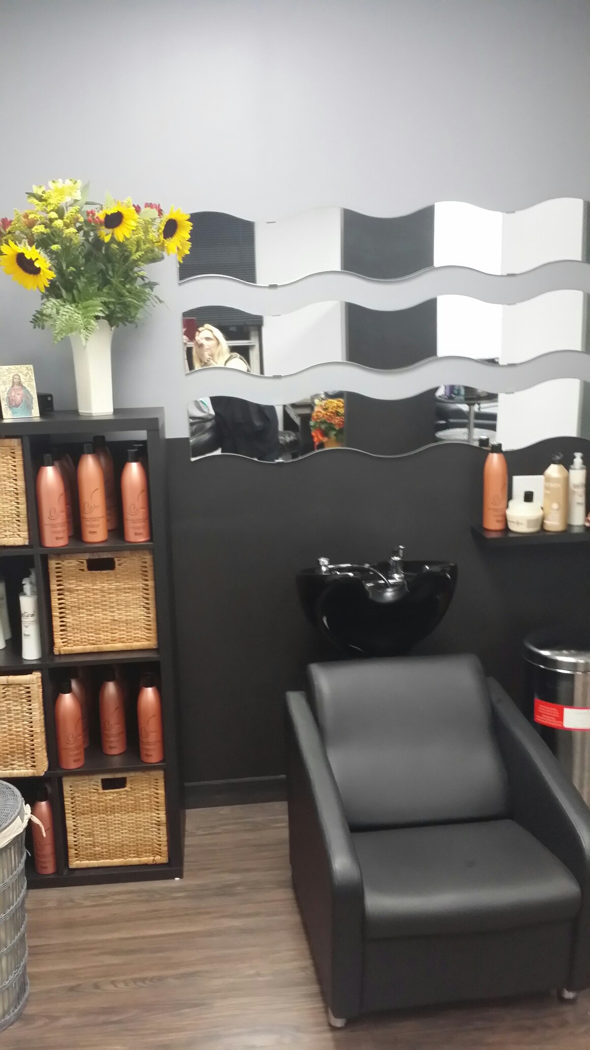Angela's Hair & Makeup Lounge, Tarrytown NY
