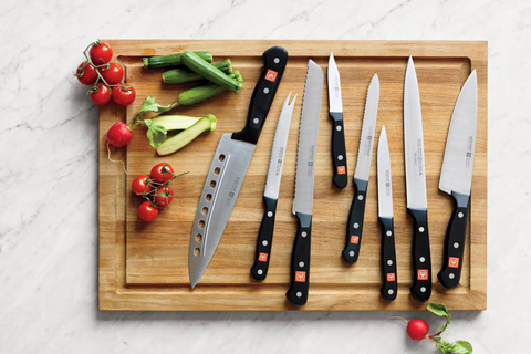 good kitchen knives are amust-have for the kitchen