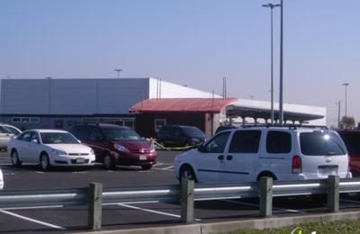 Avis Rent A Car - Oakland, CA