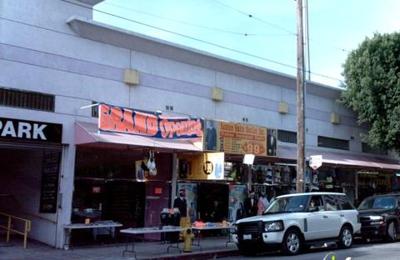4 Uomo Men's Suits - Los Angeles, CA