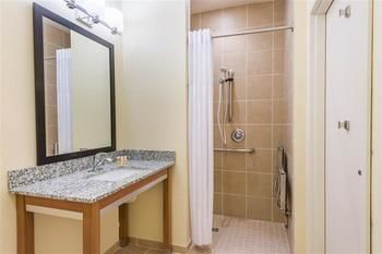 Days Inn & Suites Cadiz, Cadiz OH