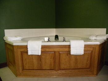 New Victorian Inn & Suites, Kearney NE