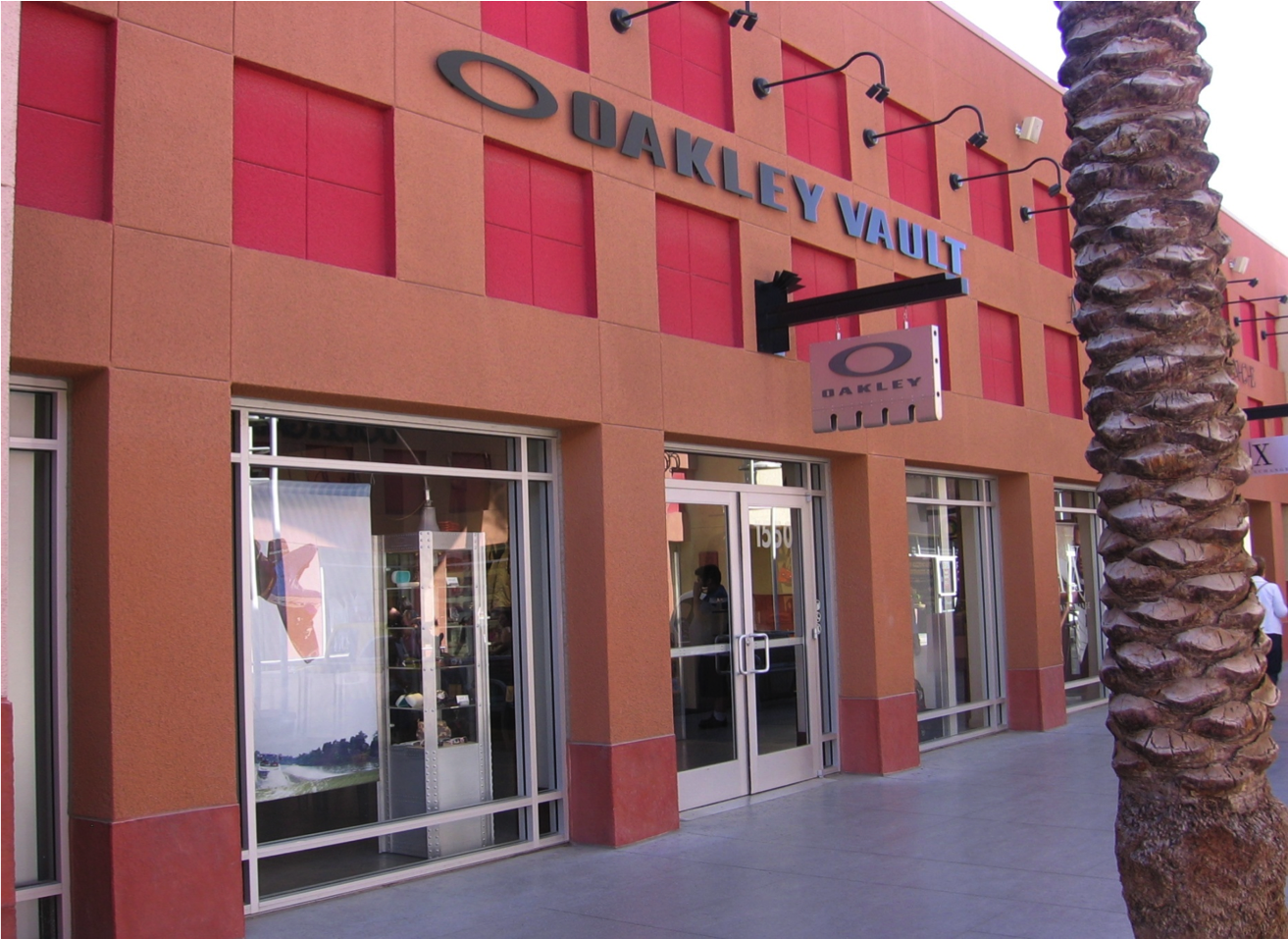oakley outlet wrentham  oakley stores in las vegas