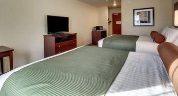 Cobblestone Inn & Suites - St. Marys, Saint Marys PA