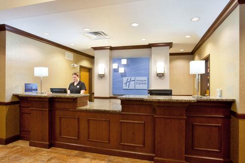 Holiday Inn Express & Suites Peru - Lasalle Area, Peru IL