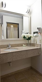 Christopher Inn & Suites, Chillicothe OH
