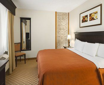 Country Inns & Suites, Northfield MN
