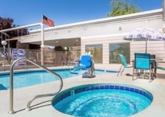 Days Inn & Suites Kanab - Kanab, UT