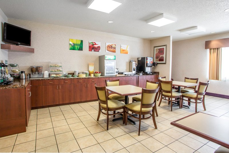 Hotel in Merrillville, Indiana. People talk about jacuzzi, clean room and hotel. See reviews and recommendations/5(53).