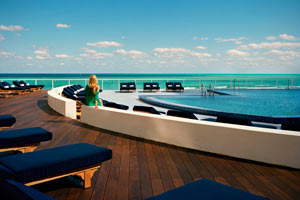America's Fabulous Hotel Pools - The Perry