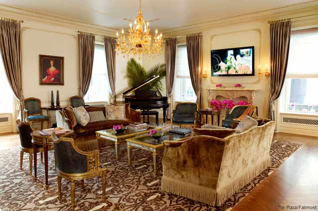 Gorgeously Romantic Hotel Suites - The Plaza - New York - Royal Plaza Suite