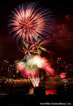 Macy's Fourth of July Fireworks Spectacular over the Hudson River