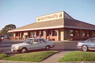 Nations Giant Hamburgers & Great Pies