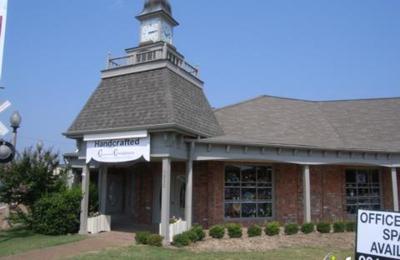 Revolve Guitar & Music Shop - Memphis, TN