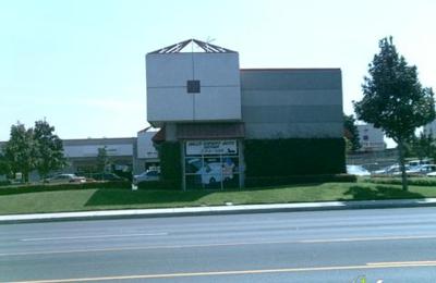 Hall's Expert Auto Repair - Riverside, CA