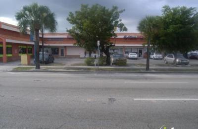 La Camaronera Fish Market - Miami, FL