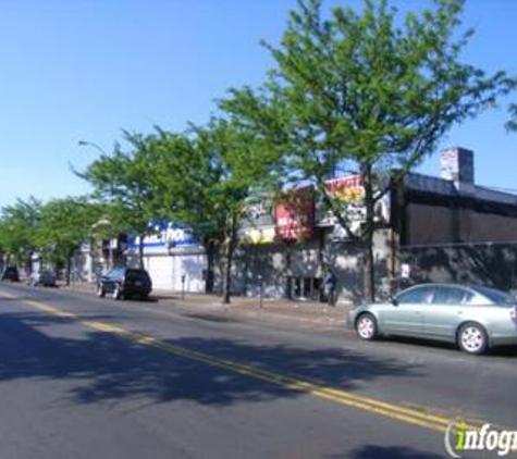 Roofers  Edge &  Siding Inc - Natick, MA