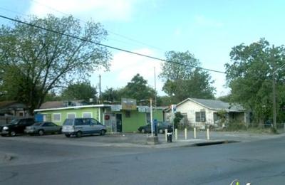 La Azteca Restaurant - San Antonio, TX