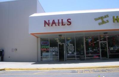 Uptown Nail - Mount Dora, FL