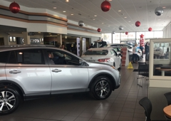 Maplewood Toyota Mn Dealership Showroom