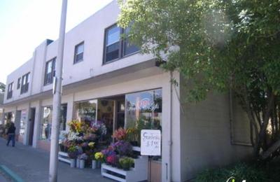 La Vie En Rose Flowers - Albany, CA