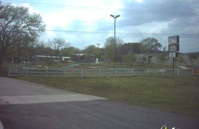Crocodile Gap - Mc Queeney, TX