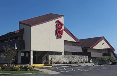Red Roof Inn - Johnson City, NY