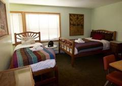 Qupqugiaq Inn - Anchorage, AK