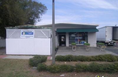 Hall's Feed Store - Apopka, FL