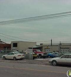 M & F Auto Body Inc - Bridgeport, CT