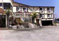 Jolly Roger Hotel - Marina Del Rey, CA