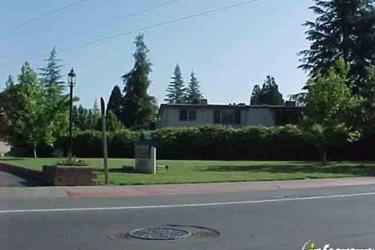 Howe Manor East