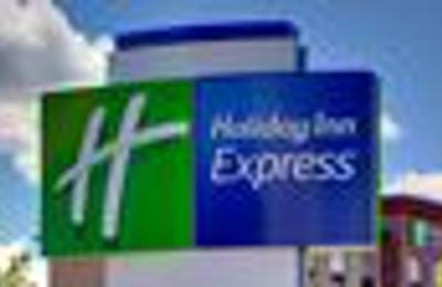 Holiday Inn Express & Suites Houston IAH - Beltway 8 - Houston, TX