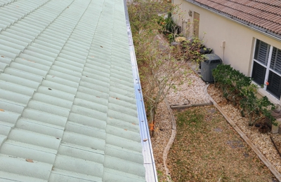 Bailey's Pressure Cleaning - Venice, FL. never clean gutter again. at a price you can afford