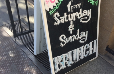 1515 Restaurant & Lounge - Walnut Creek, CA. Brunch is poured