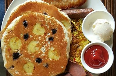 LA Vegan - Los Angeles, CA. Tropical Pancakes, Tofu, and Bacon