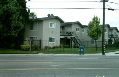 River Glen Apartments 10566 Hole Ave Riverside Ca 92505 Yp Com