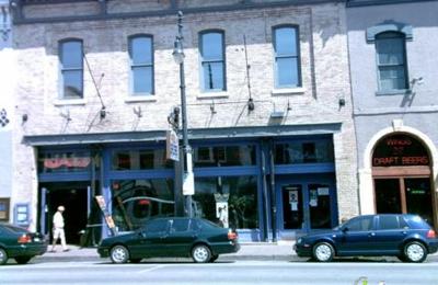 Bikini's Bar & Grill - Austin, TX
