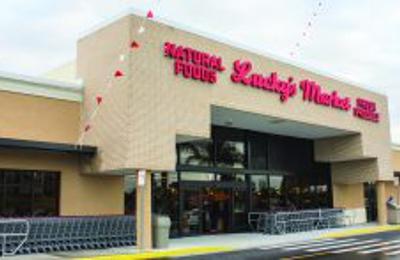 Lucky's Market - Naples, FL