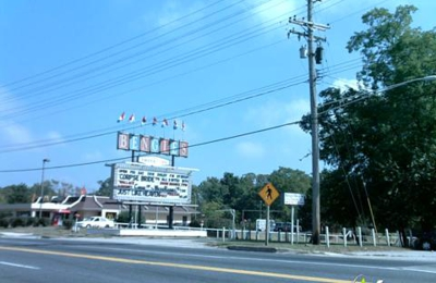 Bengies Drive-In Theatre - Middle River, MD