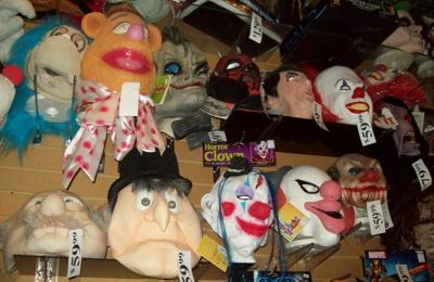 Ed's Broadway Gift & Costume - Lake Orion, MI