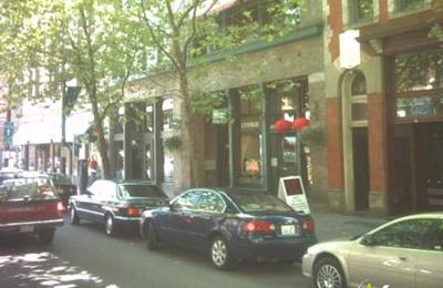 Pioneer Smoke Shop - Seattle, WA