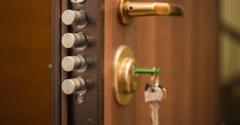 Call Locks Locksmiths - Hialeah, FL