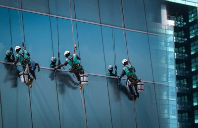 C & M Building Services, Inc - Orlando, FL. professional window cleaning, pressure washing, roof cleaning, and awning cleaning