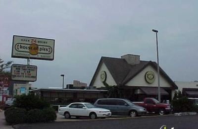 House Of Pies Restaurant & Bakery - Houston, TX
