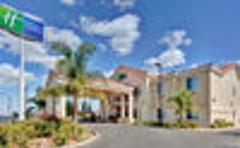 Holiday Inn Express Delano Hwy 99