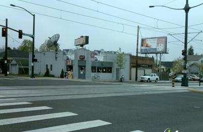 George's Corner Sports Bar - Portland, OR